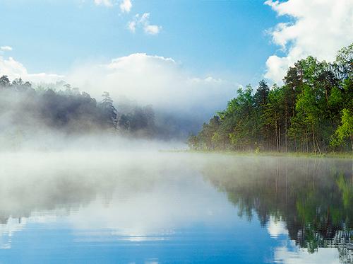 Mazury, mglisty pejzaż
