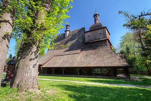 Sękowa drewniany kościół