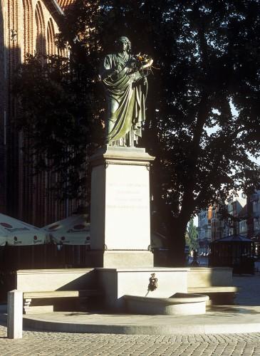 Toruń pomnik Mikołaja Kopernika