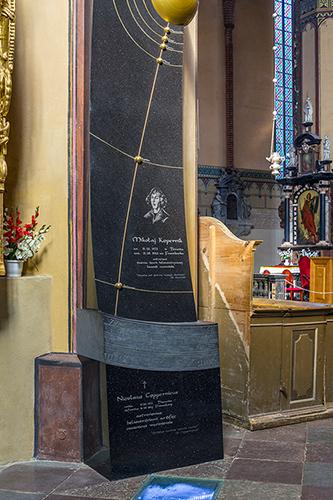 Frombork, nagrobek Mikołaja Kopernika