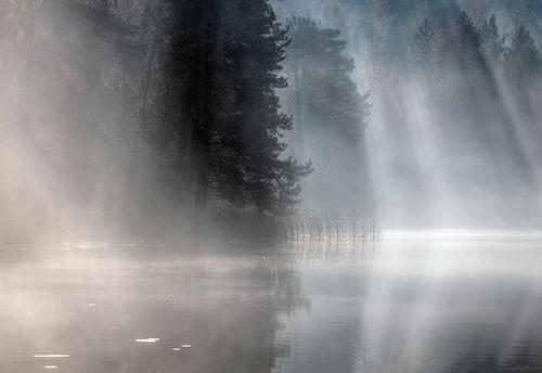 Warmia i Mazury, jezioro we mgle