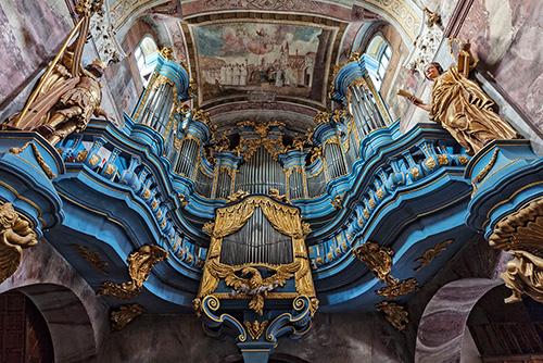 Jędrzejów, kościół, organy