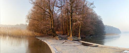 Nad jeziorem zimą