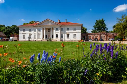Korczew pałac barokowy